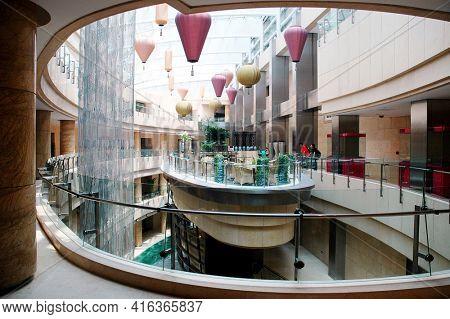 BEIJING, CHINA - JUL 2006: Raffels Hotel Tea Restaurant and Atrium
