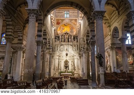 Pisa, Tuscany, Italy - October 2020: Views Inside Of Primatial Metropolitan Cathedral Of The Assumpt