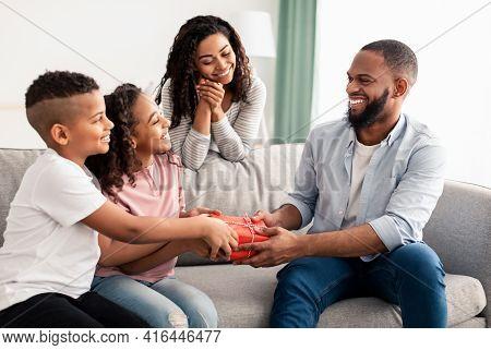 Black Kids Celebrating Fathers Day, Greeting Daddy