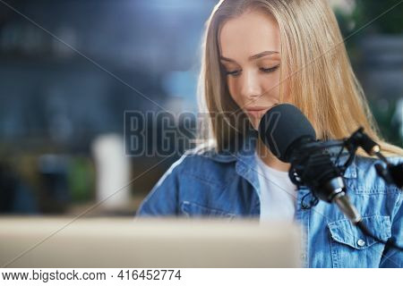Close Up Portrait Of Young Beautiful Woman In Denim Jacket Preparing For Communication With Modern M