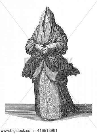 Venetian woman, Domenico Bonavera (possibly), c. 1650 - c. 1740 Standing Venetian woman with covered head and a book in her hands, vintage engraving.