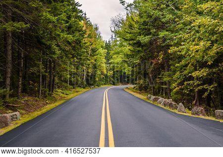 Road Through Acadia National Park, Maine, New England, Usa, North America