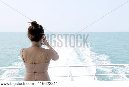 Backside Sexy Asia Woman Standing Backside High Speed Ferries In Summer For Take A Photo .beautiful