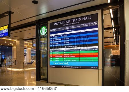 New York, Ny - Usa - Jan. 10, 2021: Train And Gate Information Displays For The Newly Opened Daniel
