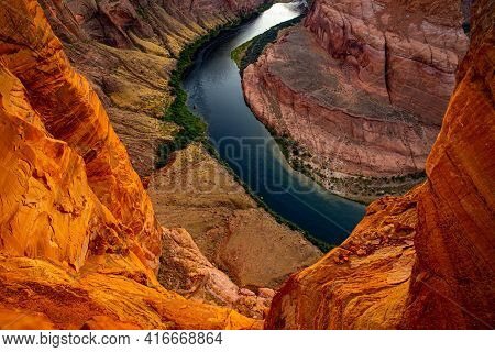 Horseshoe Bend In Page. Horseshoe Bend On Colorado River In Glen Canyon. Canyon American National Pa