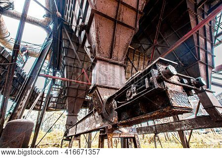 Old Steel Factory Retro Photography Industrial, Old Factory, Metal Pipe, Dark Interior Decoration Of