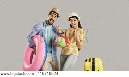 Portrait Funky Crazy Couple With Luggage Beach Accessory Celebrate Vacation Time