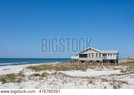 Gulf Shores, Al - March 29: Beach House Along The Shore Of The Gulf Of Mexico On March 29, 2021 In G