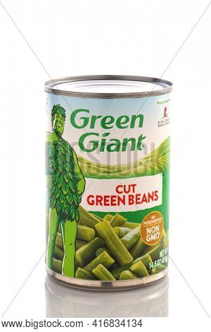 IRVINE, CALIFORNIA - MAY 6, 2019: A 16 ounce can of Green Giant Cut Green Beans.