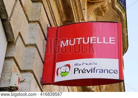 Bordeaux , Aquitaine France - 04 10 2021 : Mutuelle Previfrance Text Brand Logo And Sign Front Of Ag