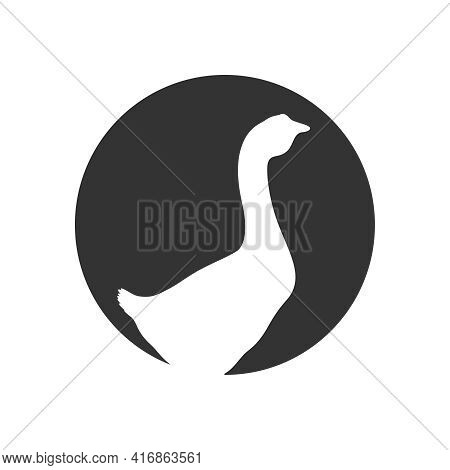Goose Graphic Icon. Goose Sign  In The Circle Isolated On White Background. Vector Illustration