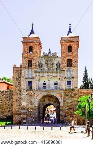 Toledo,  Castilla La Mancha, Spain - 12 May 2013: View Of The Puerta Del Cambron.