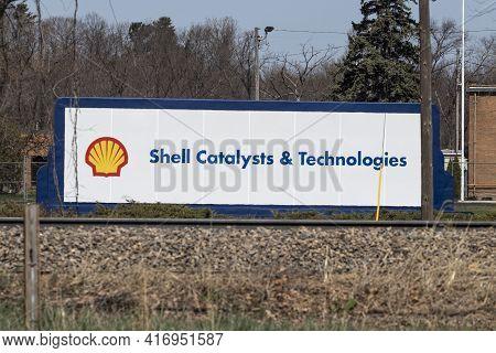 Michigan City - Circa April 2021: Shell Catalysts And Technologies Petrochemical Plant. Shell Cataly