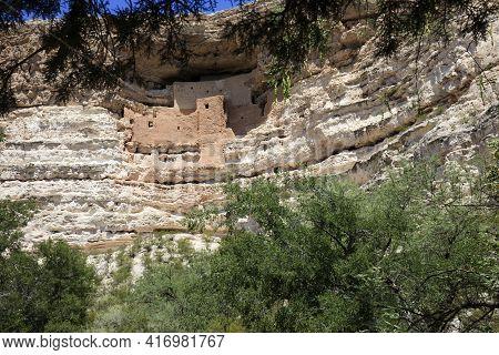 Camp Verde, Arizona / Usa - August 01, 2015: Montezuma Castle Park Area And Ruins, Arizona, Usa