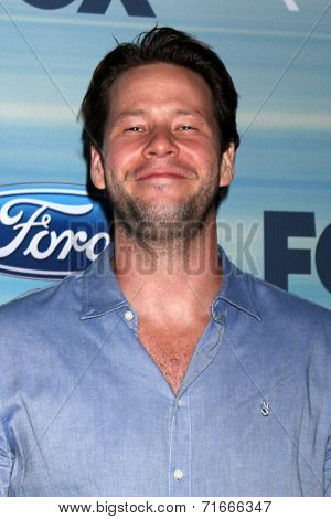 LOS ANGELES - SEP 8:  Ike Barinholtz at the 2014 FOX Fall Eco-Casino at The Bungalow on September 8, 2014 in Santa Monica, CA
