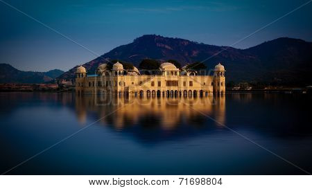 A beautiful view of jal mahal in Jaipur