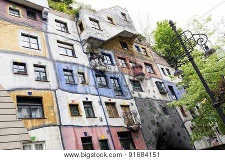 Hundertwasserhaus Hundertwasser House In Vienna