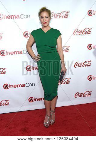 LOS ANGELES - APR 14:  Christina Applegate arrives to the Cinema Con 2016: Awards Gala  on April 14, 2016 in Las Vegas, NV.