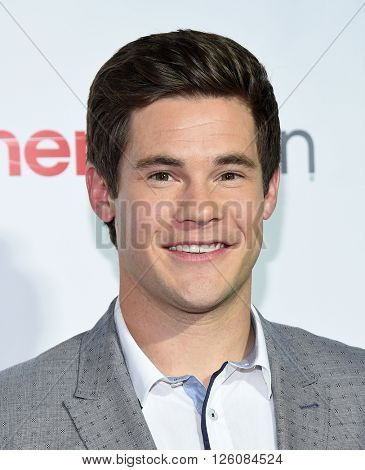 LOS ANGELES - APR 14:  Adam DeVine arrives to the Cinema Con 2016: Awards Gala  on April 14, 2016 in Las Vegas, NV.