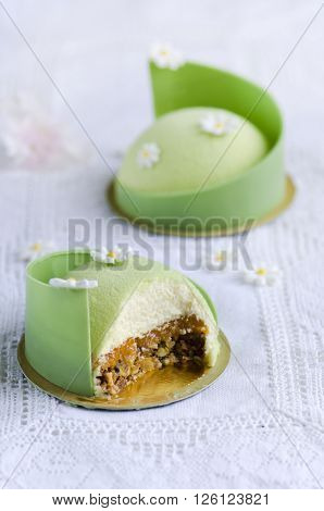 Pear cake with ricotta cheese covered with chocolate velor