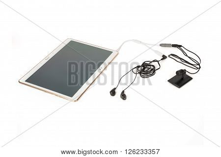 Wired Microphone And Listening System Connected To A Tablet