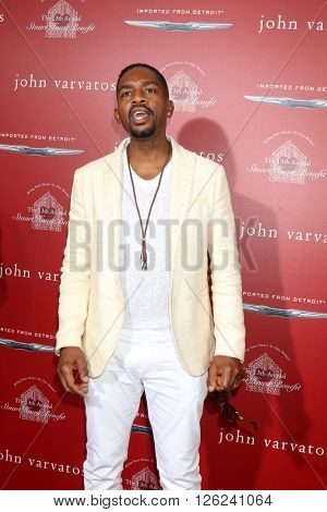 LAS VEGAS - APR 17:  Bill Bellamy at the John Varvatos 13th Annual Stuart House Benefit at the John Varvatos Store on April 17, 2016 in West Hollywood, CA
