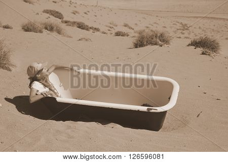 Ludertiz Kolmanskop Desert House Architecture Old Abondoned Holiday Home Vacation Country TravelDesert bath