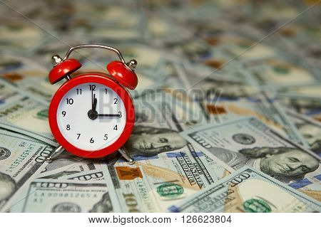 Time Is Money, Clocks Under American Dollars