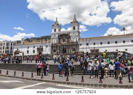 QUITO ECUADOR October 4 2014 Tens of tourists visit the Plaza de San Francisco to visit the exhibition of Agriflor 2014 in which 20000 flowers of different Ecuadorian producers are exposed to 1 October 5 2014 in Quito Ecuaodr.