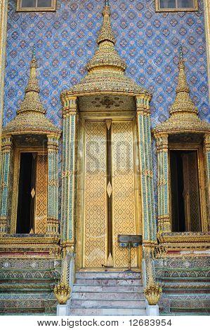 Prasat Pha Thep Bidon At Wat Phra Kaew