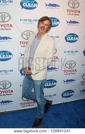 LAS VEGAS - APR 21:  Sam Trammell at the Keep It Clean Comedy Benefit For Waterkeeper at the Avalon Hollywood on April 21, 2016 in Los Angeles, CA