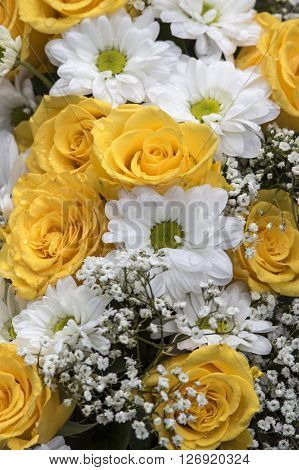 A elegant Bouquet with roses and baby's breath