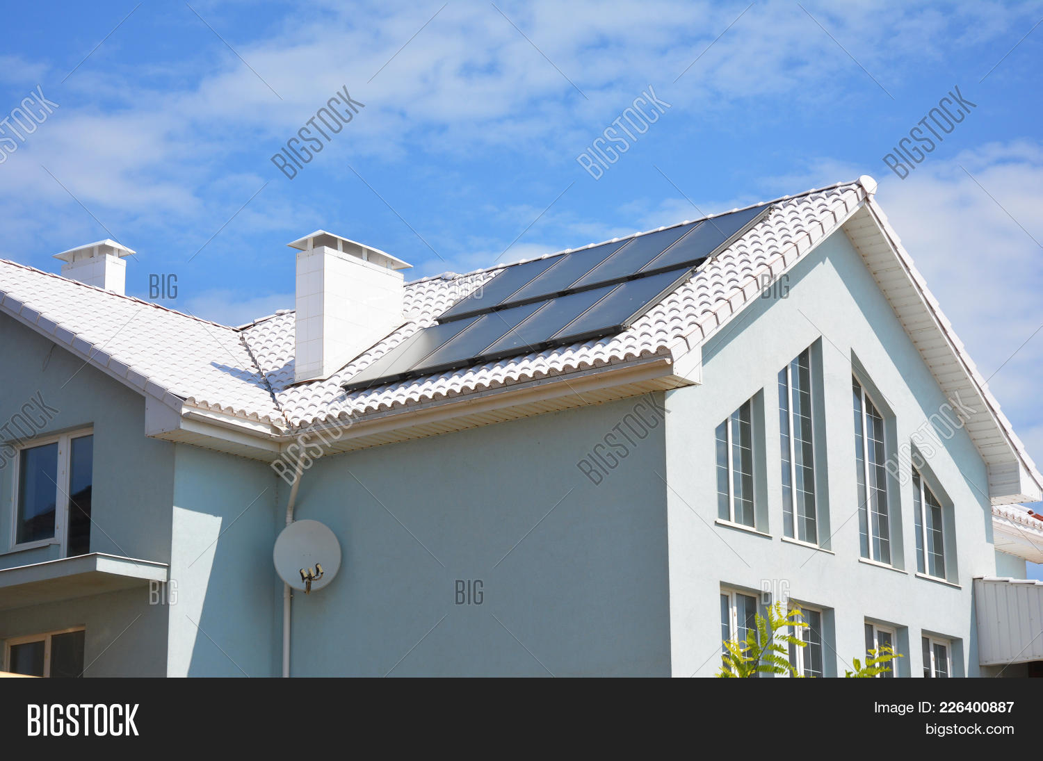 White Clay Tiled Roof Image & Photo (Free Trial) | Bigstock