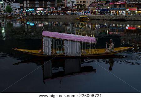 A Gondola Through The Indian Paradise