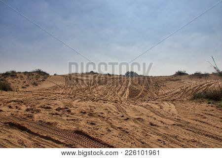 Sandy Ground For Cars 4x4 With Traces Of Tires For Cars Wallaper