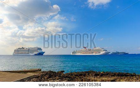 Grand Cayman, Cayman Islands, Feb 2018, Cruise Ships On The Caribbean Sea