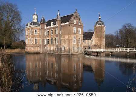 Ruurlo Castle In The Dutch Village With The Same Name Reflecting In The Surrounding Pond