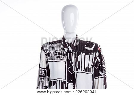 White Patterned Blouse For Women. Female Mannequin In Long Sleeve Buttoned Shirt. Feminine Casual Cl