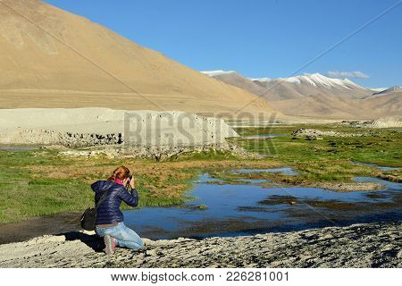 Photographing Tourist The Tso Kar Lake In The Karakorum, Leh, India. This Region Is A Purpose Of Mot