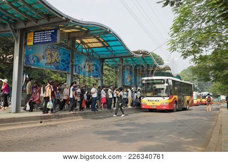 Hanoi, Vietnam - Oct 25, 2015: Line Of People Waiting For Bus At Bus Station In Hanoi City
