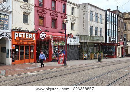 Sheffield, Uk - July 10, 2016: People Walk In Sheffield, Yorkshire, Uk. Sheffield Is The 6th Largest