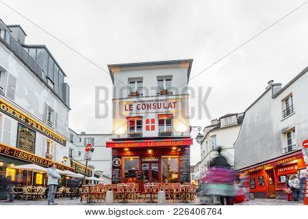 Paris - May 15: View Of Typical Paris Cafe With Unidentified Tourists On May 15, 2015 In Paris. Mont