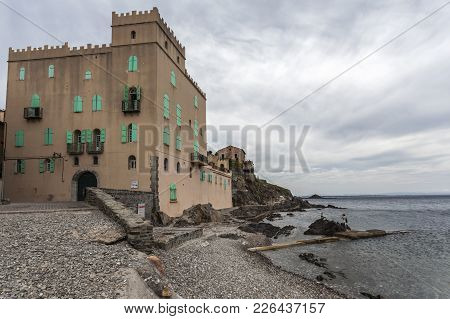 Collioure,france- June 17,2011:ancient Building And Mediterranean View, Collioure In Cote Vermeille