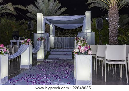 Photo Of The Jewish Hupa , Wedding Putdoor . The Jewish Hupa Wedding.