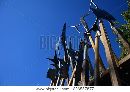 Zoom On The Weapons From The Mediaeval