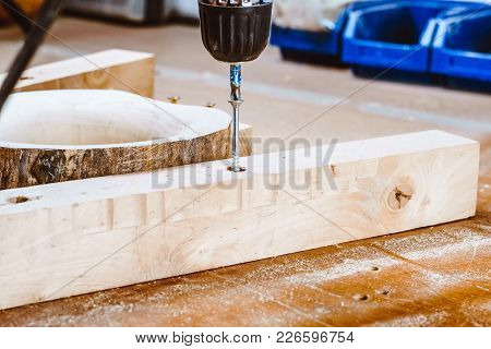 Tighten The Screw In The Wood To Fix The Workpiece On The Table
