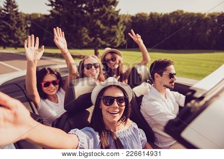 Ladies And Guy Driver, Chics Girlfriends With Spread Arms Express Vitality, Emotions, Success, Feel