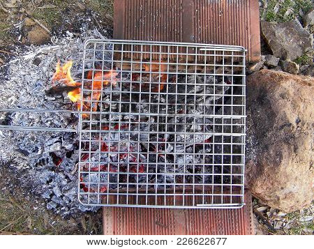 To Cook The Meat To Barbecue Stove, Barbecue Barbecue Grill Pan On The Stove,