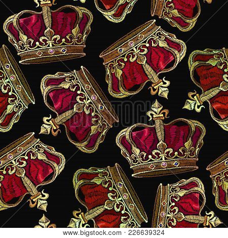 Embroidery Golden Crown Seamless Pattern. Royal Embroidery Medieval Crown Of The Emperor. Fashion Te