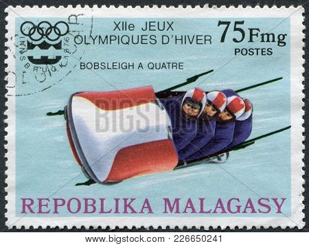 Madagascar - Circa 1975: Postage Stamps Printed In Madagascar, Is Dedicated To The Winter Olympics I
